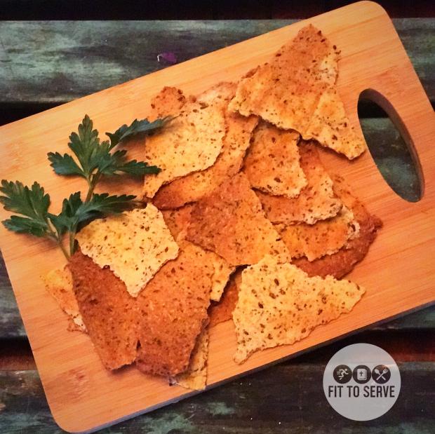 keto high fiber cheesy crackers